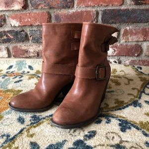 Woman's Lucky Brand boots